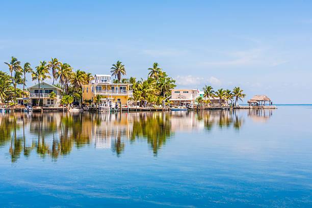 wunderschöne wohnbereich in der schlüssel - haus in florida stock-fotos und bilder