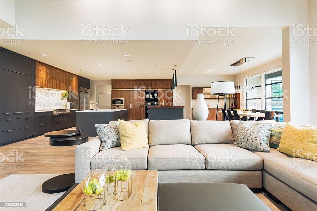 Schönes Wohnzimmer Interieur In Der Neuen Luxushome ...