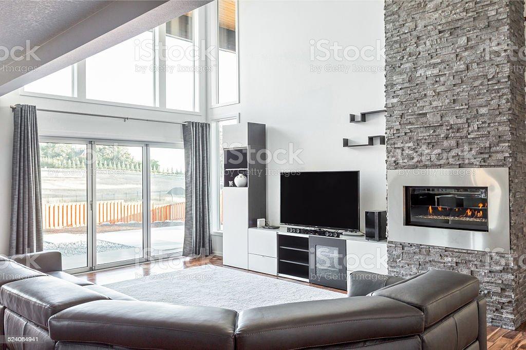 Schones Wohnzimmer Mit Kamin In Luxus Zu Hause Stockfoto Und Mehr Bilder Von Bauen Istock