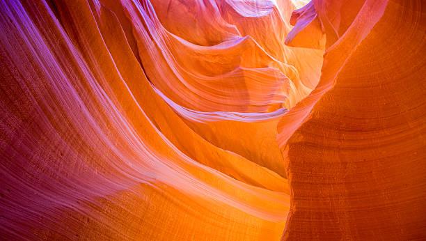 schöne lower antelope canyon - canyon stock-fotos und bilder