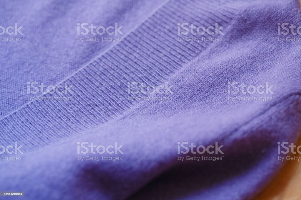 아름 답 고, 고급 스러운, 보라색에서 스웨터가, 겨울 니트, 따뜻한. - 로열티 프리 가을 스톡 사진