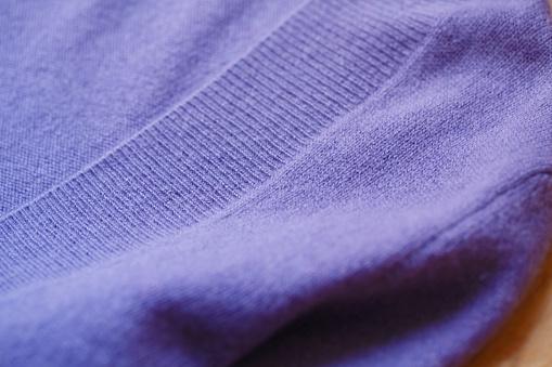 아름 답 고 고급 스러운 보라색에서 스웨터가 겨울 니트 따뜻한 가을에 대한 스톡 사진 및 기타 이미지