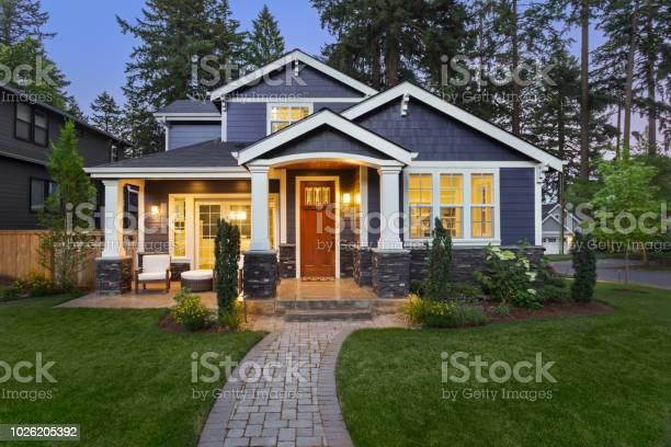 Beautiful luxury home exterior at twilight picture id1026205392?b=1&k=6&m=1026205392&s=612x612&h=d7 bttinpqg7nqui5jllugk4nfc pyptwgsup96raec=