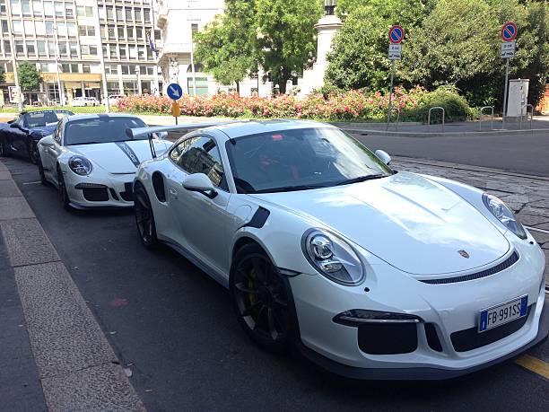 beautiful luxury white cars - hotel mailand stock-fotos und bilder