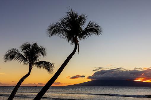 Wunderschöne Maui Sonnenuntergang Stockfoto und mehr Bilder von Dramatischer Himmel