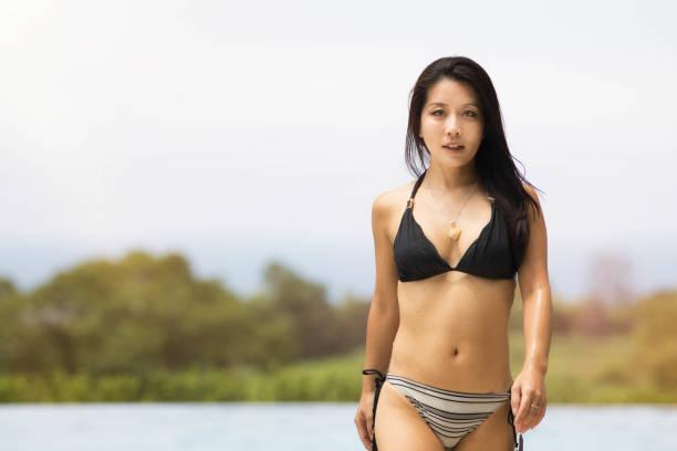 japanese-women-models-bikini-pictures-male-ball-room