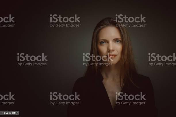Foto de Belo Retrato De Meio Envelhecido Mulher e mais fotos de stock de 40-49 anos
