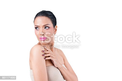 istock Beautiful middle-aged Asian woman isolated on white background , beauty concept 931171830