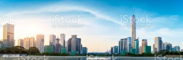 Beautiful Modern City Skyline Panorama In Shenzhen — стоковые фотографии и другие картинки Азия