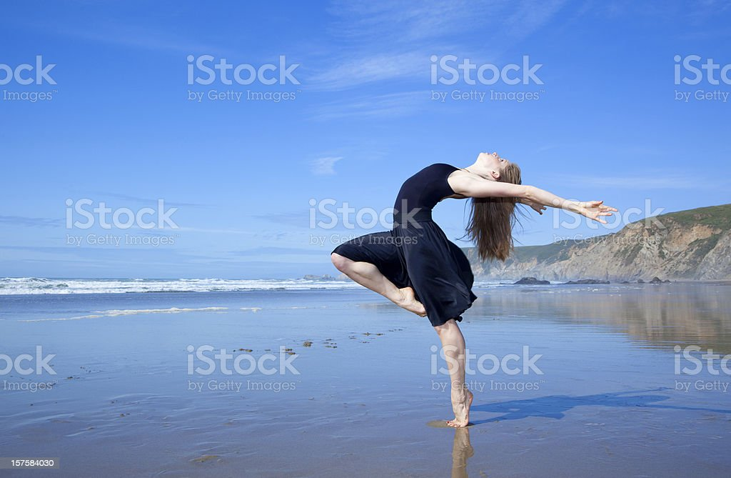 beautiful modern dancer at the beach royalty-free stock photo