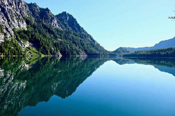 beautiful morning at alpine lake. - leavenworth washington stock photos and pictures