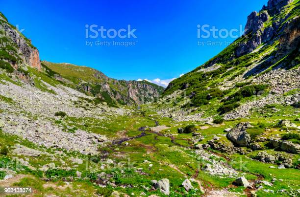 Piękny Górski Krajobraz - zdjęcia stockowe i więcej obrazów Bez ludzi