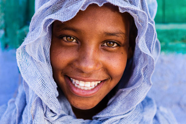beautiful muslim girl in southern egypt - north africa stock photos and pictures