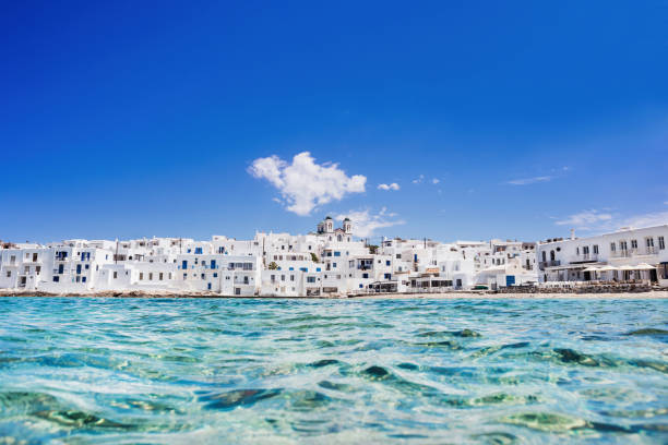 Hermoso pueblo de Naoussa, isla de Paros, Grecia - foto de stock