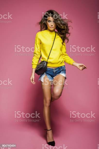 Beautiful natural woman picture id904740454?b=1&k=6&m=904740454&s=612x612&h=ckz52wyesafjebw3vx2p78jb3qj wp405ygx0hsupuq=