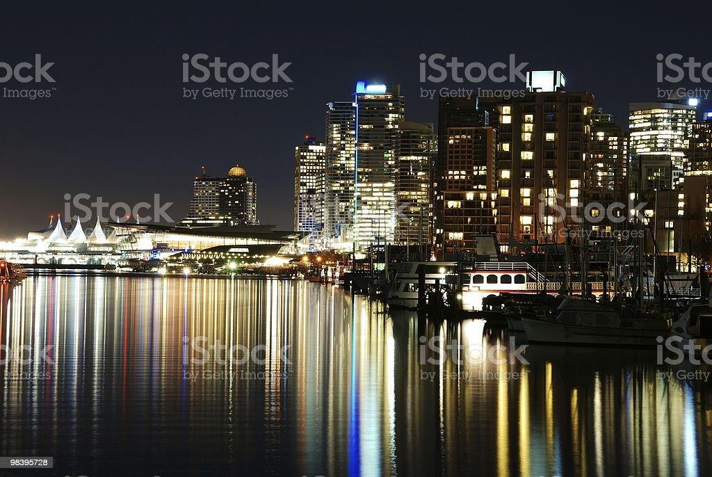 Bella scena notturna del centro di Vancouver foto stock royalty-free