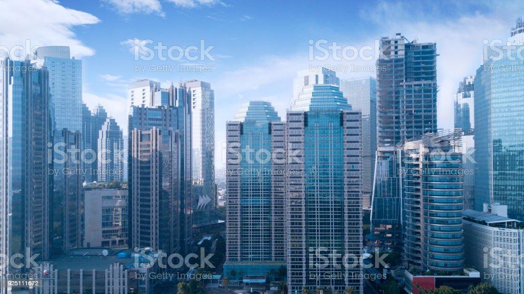 Immeubles de bureaux magnifique sous le ciel bleu u2013 photos et plus d