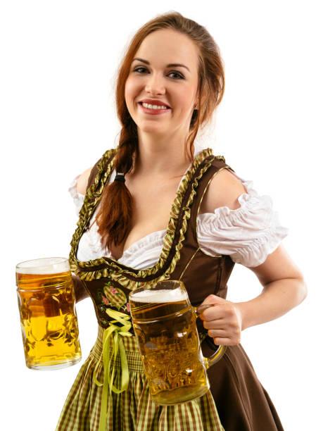 schöne oktoberfest server halten bier - bier kostüm stock-fotos und bilder