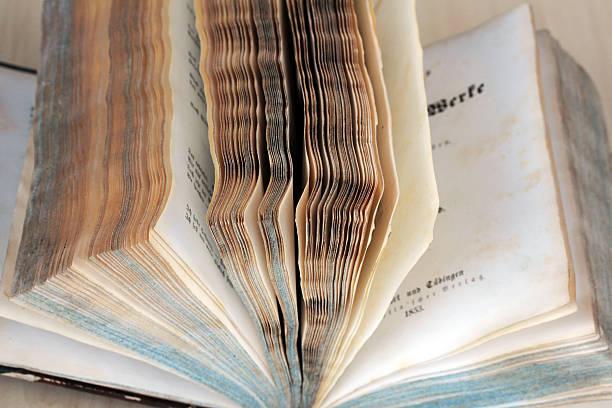 schöne alte buch von 1853 - gedichte von goethe stock-fotos und bilder