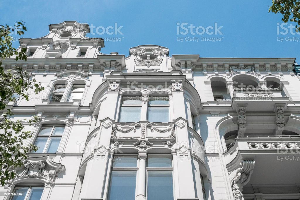 beautiful old residential building facade – Foto