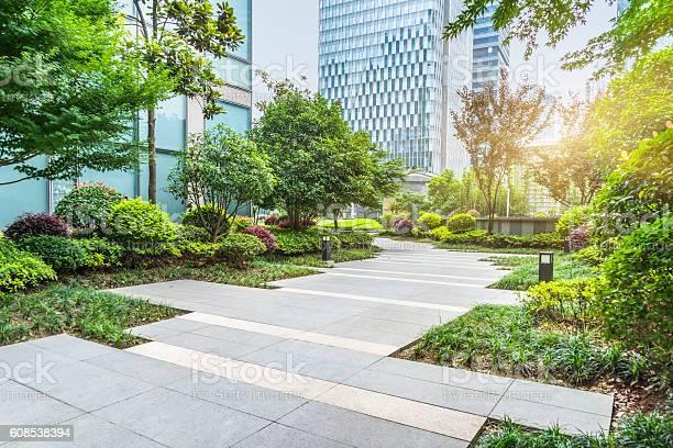 Beautiful park at a sunny day picture id608538394?b=1&k=6&m=608538394&s=612x612&h=drb9d4mez2q6jxnjwsnpuupeg4cwizro2dohl0adklq=