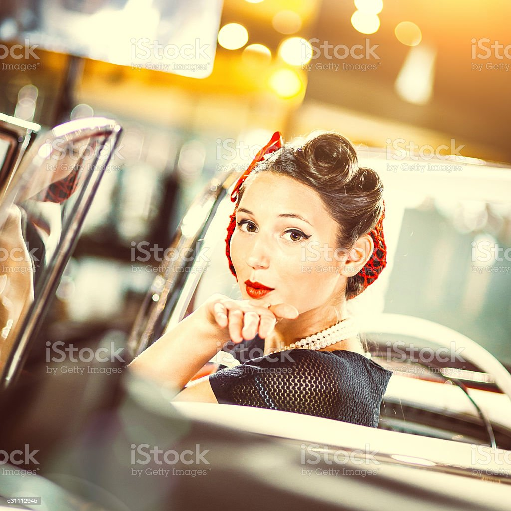 beautiful-girl-sex-in-car-lebanon-sex
