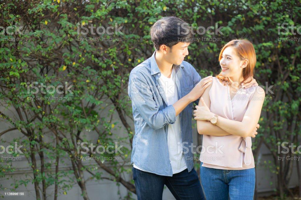 Quand rencontre quelqu'un devient une relation