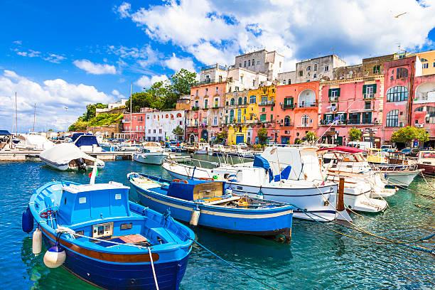 bellissima isola di procida, campania, italia. - procida foto e immagini stock