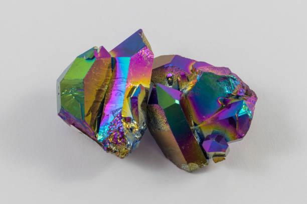 Cristal de Quartz Aura beau Rainbow titane - Photo