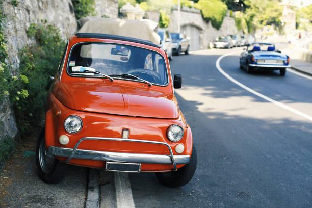 Schöne rote retro Auto – Foto