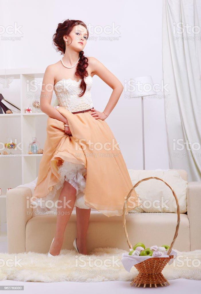 beautiful retro girl - Foto stock royalty-free di Ambientazione interna