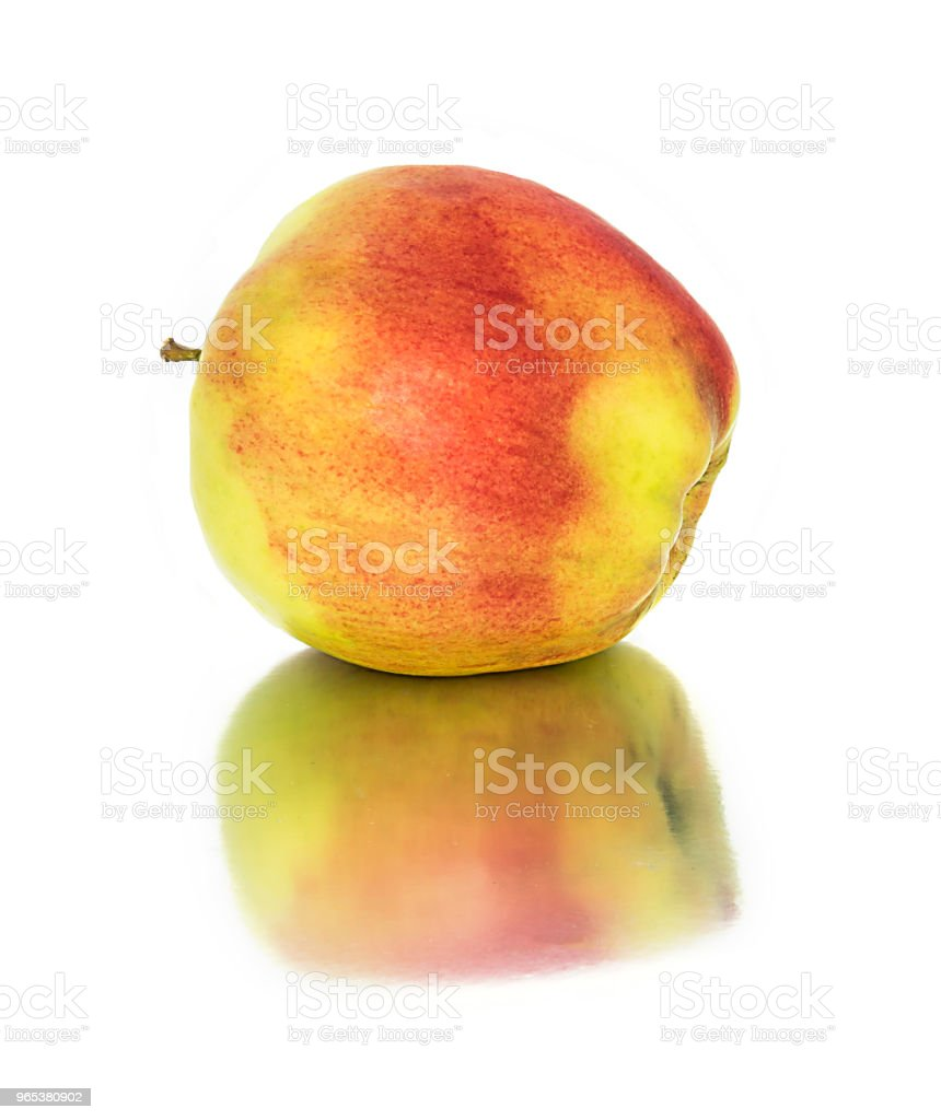 beautiful, ripe, juicy apples on a white background. beautiful fruit without the background. apples. zbiór zdjęć royalty-free