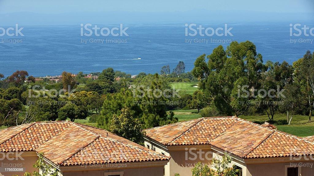 Schöne Dachterrasse mit Blick auf den Pazifischen Ozean von Newport Coast – Foto