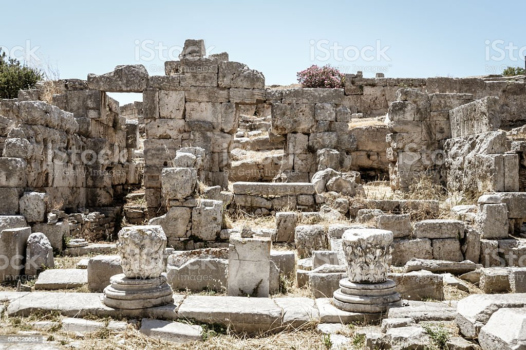 Beautiful ruins of Ancient Corinth in Greece foto royalty-free