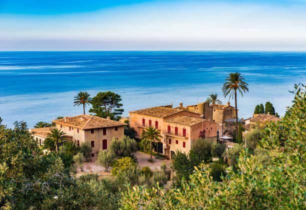 Belle vue mer et vieilles maisons méditerranéens sur l'île de Majorque, Espagne - Photo
