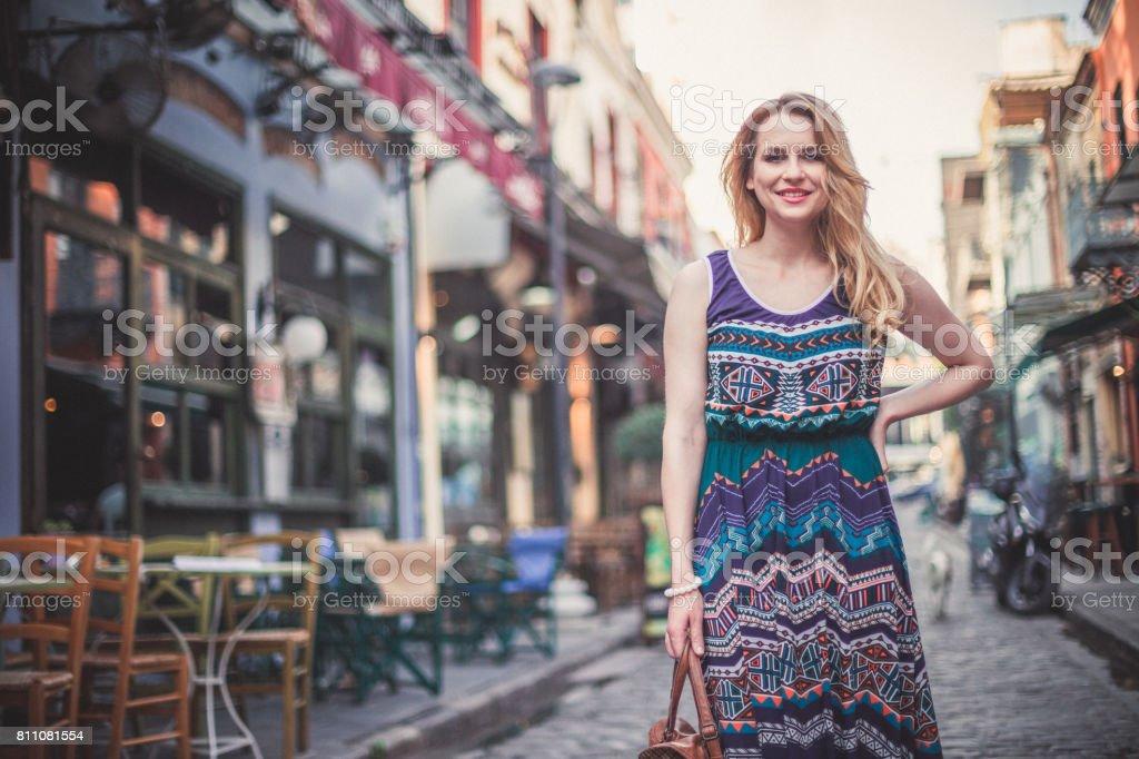 Hermosa Mujer Sensual En La Calle De La Ciudad Foto De Stock