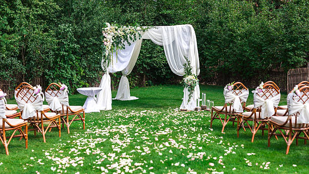 beautiful setting for outdoors wedding ceremony - ceremonie stockfoto's en -beelden