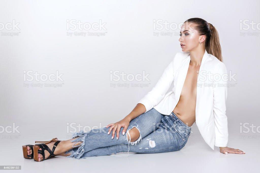 Vaqueros Blanca Y En Hermosa Mujer Chaqueta De Sexy Más Fotografía wX68pqK