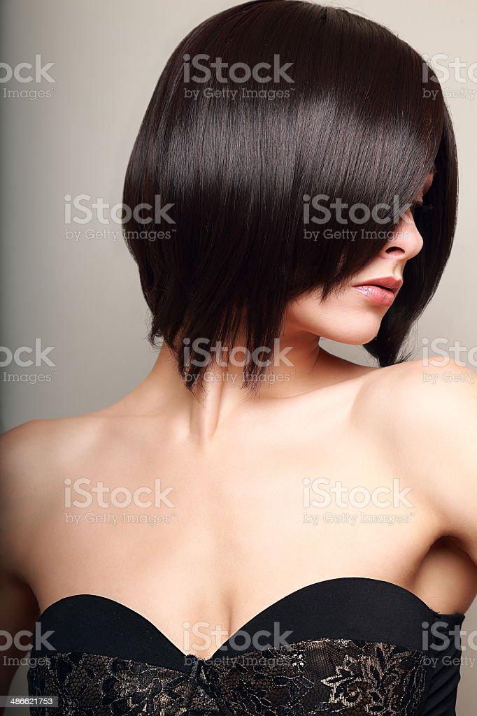 Piękne Sexy Kobieta Z Looking Czarny Krótkie Włosy Styl Zbliżenie