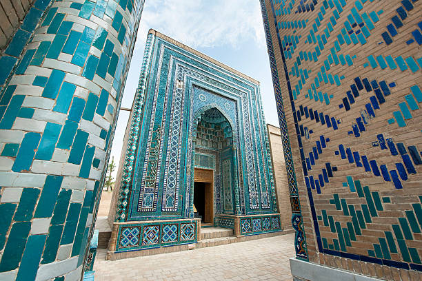 beautiful shah-i-zinda mausoleums in samarkand, uzbekistan - oezbekistan stockfoto's en -beelden