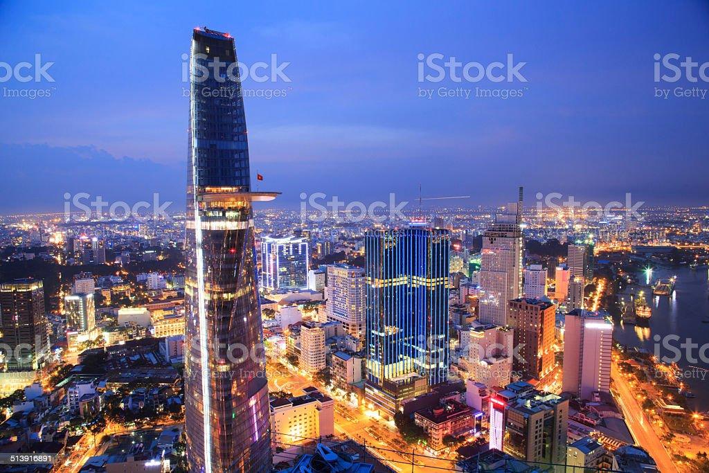 Beautiful shot of Ho Chi Minh City at night royalty free stockfoto