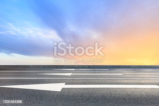 istock Beautiful sky cloud and asphalt road landscape 1000484366