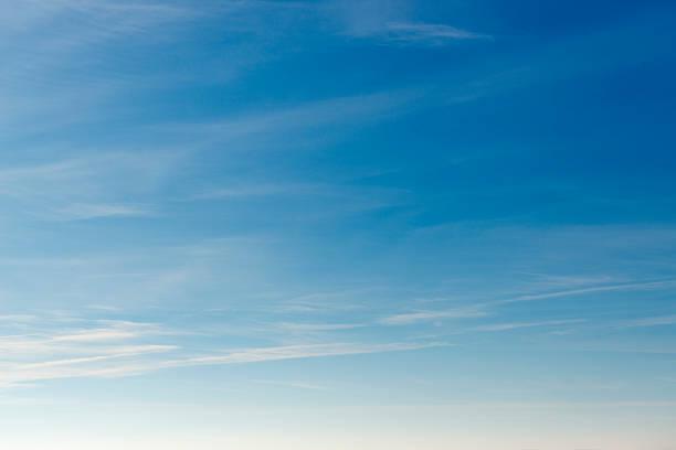 beautiful sky with white cloud.  background - sky 個照片及圖片檔