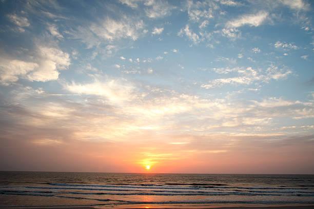 Wunderschöne südliche Sonnenaufgang – Foto
