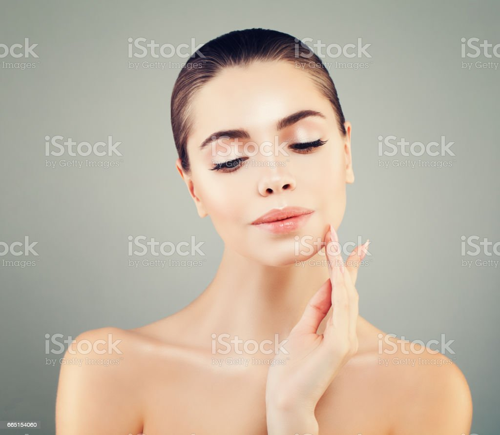 Beautiful Spa Model Woman with Healthy Skinm . Spa Beauty, Skin Care and Cosmetology Concept stock photo