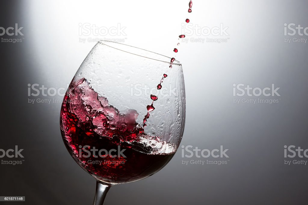 Beautiful splash of red wine photo libre de droits