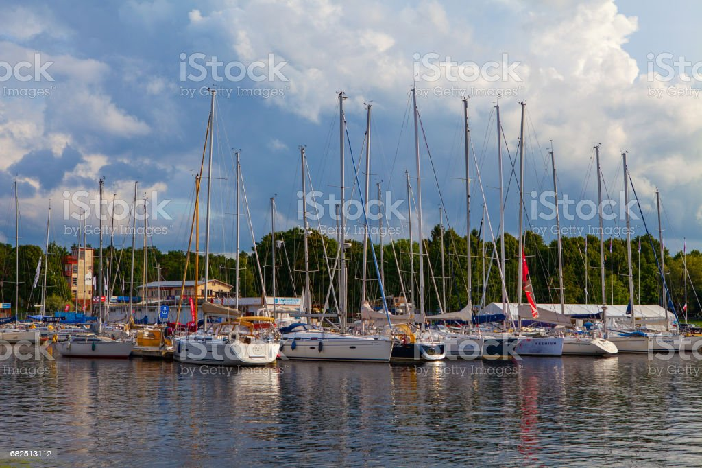 TALLINN, ESTONIA - AUGUST 03, 2016: Beautiful sport club for yachts, season is ongoing foto stock royalty-free