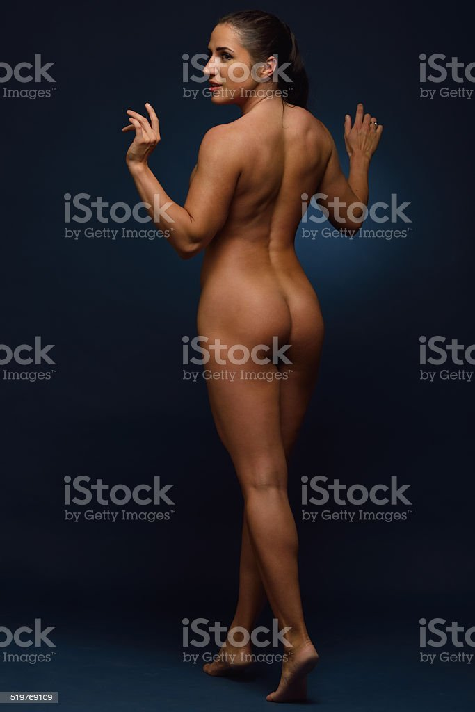 sportliche frau nackt