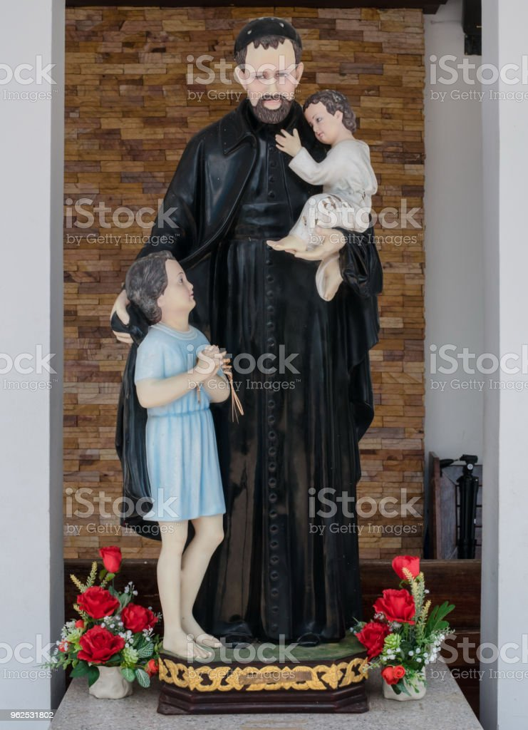 Beautiful statue in a Christian church. - Royalty-free Ancient Stock Photo