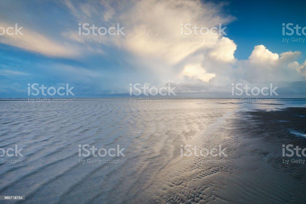 beautiful stormy sky over North sea shore - Royalty-free Beach Stock Photo